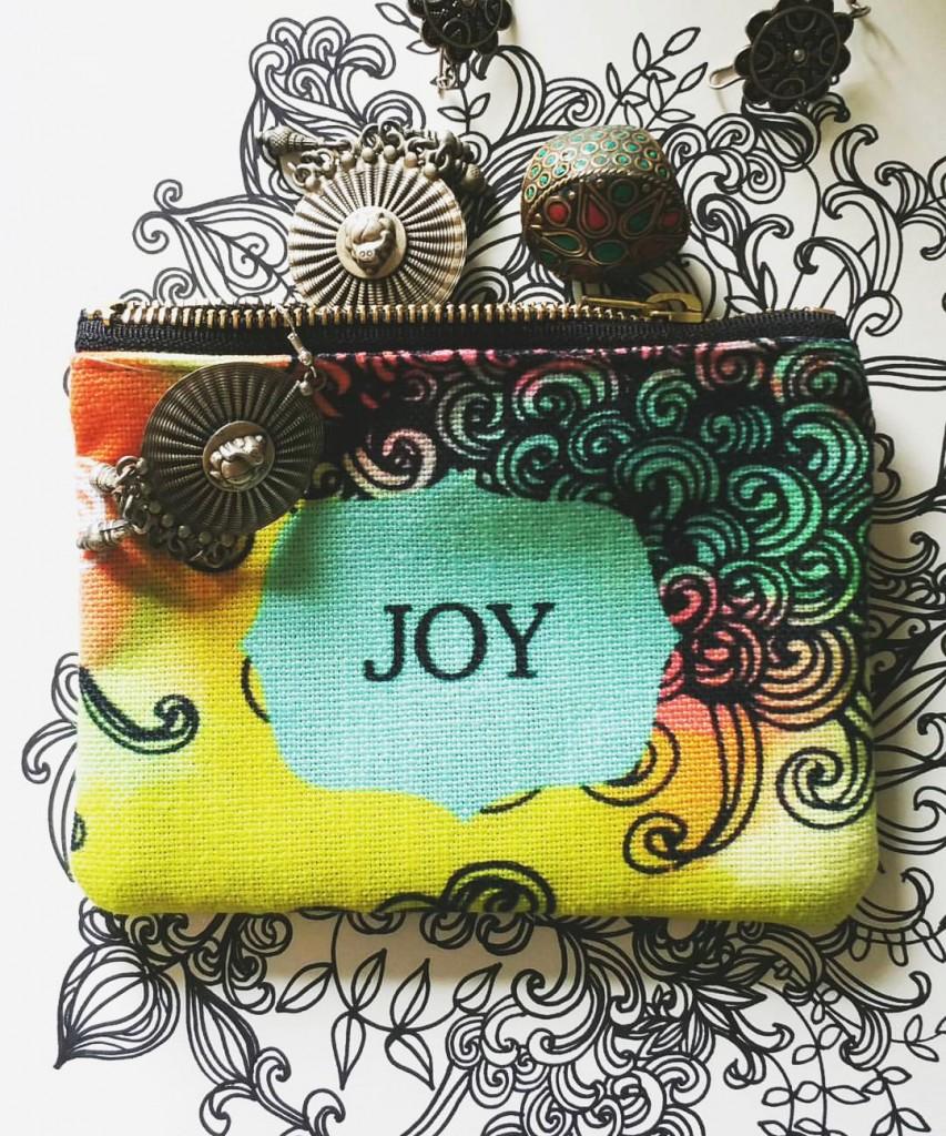 Joy pouch