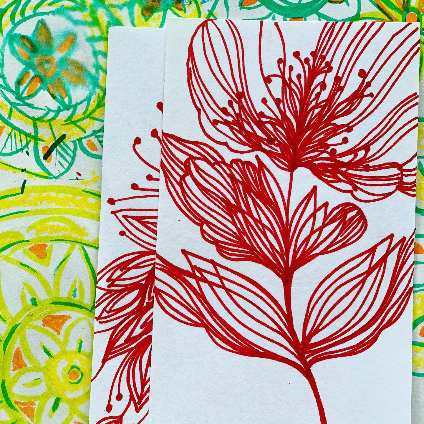 Floral doodles are always fascinating!