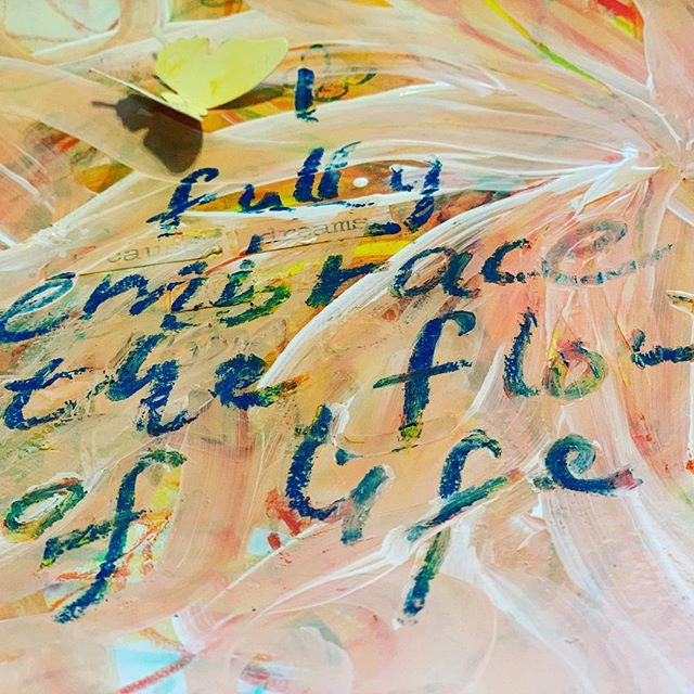 Meditation and art journaling go hand in hand! Today's mantra from Deepak Chopra's meditation series...I fully embrace the flow of life... @deepakchopra